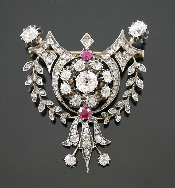 ANTIQUE VICTORIAN DIAMOND BROOCH - 5 CARATS-