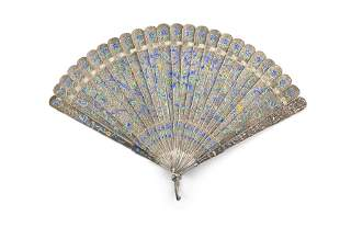 A CHINESE EXPORT ENAMELLED FILIGREE SILVER FOLDING FAN