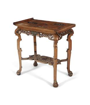 A BRONZE-EMBELLISHED WOODEN MIDDLE TABLE / CONSOLE IN