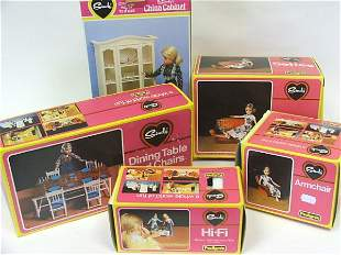 Sindy bed and bedclothes, wardrobe, dressing table