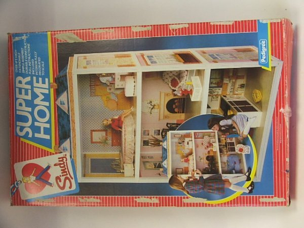 808: Sindy Super Home in original box by Pedigree