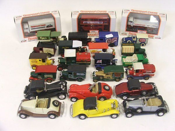 A Collection of 22 Lledo Matchbox and other diecas