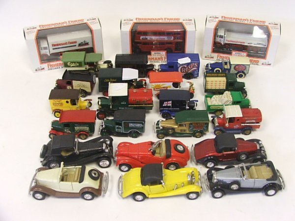 817: A Collection of 22 Lledo Matchbox and other diecas