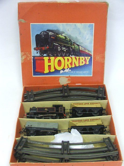A Boxed Hornby O Gauge Clockwork Train Set with ty