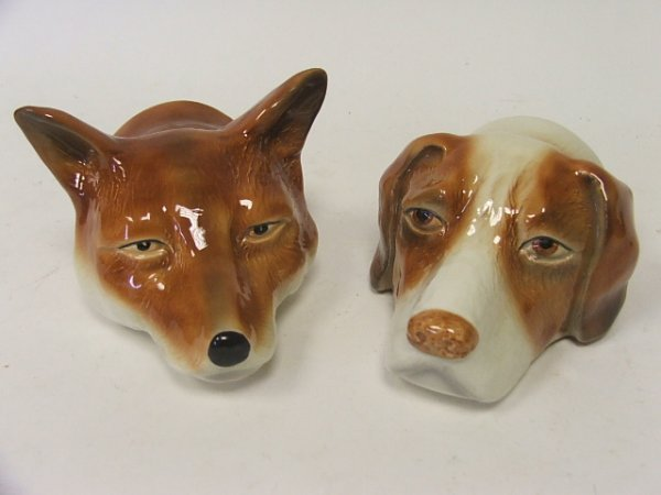 903: A Pair of Contemporary Fox and Hound Ceramic Stirr