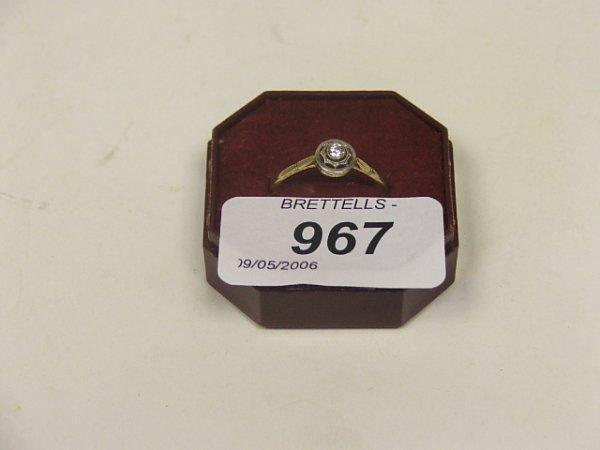 967: An 18ct Yellow Gold Diamond Ring, 1.6g