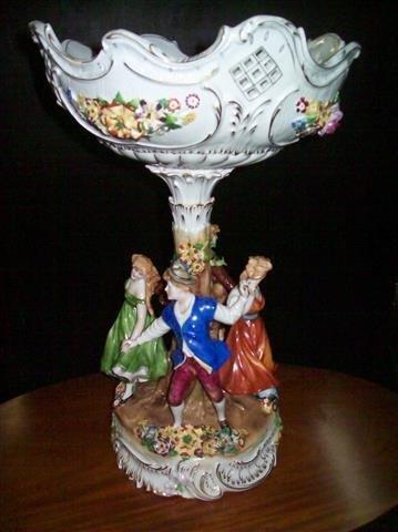 large Von Schierholz Kandmalered porcelain fruit bowl