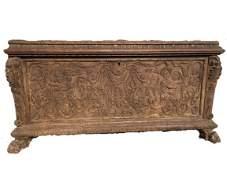 Important Italian Renaissance Cassone carved oak chest