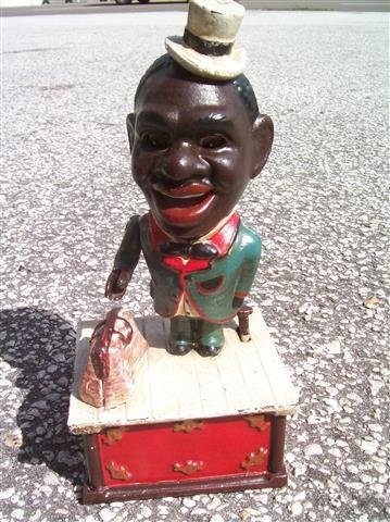 BLACK AMERICANA Painted Cast Iron jolly Mechanical Bank