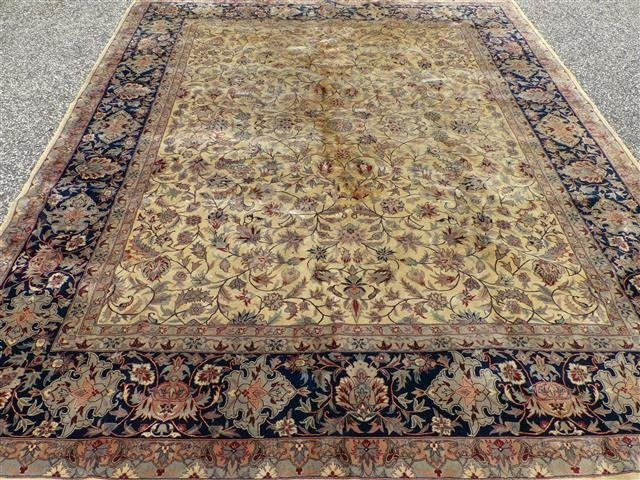 A handwoven Kashan design used oriental rug 8-3 by 10-2