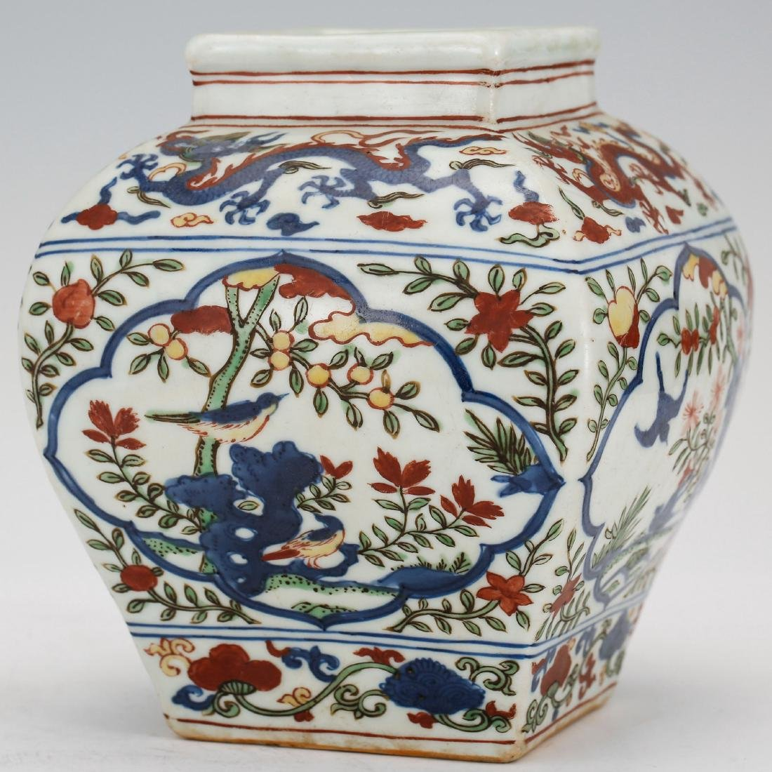 CHINESE MING DYNASTY WUCAI PORCELAIN JAR - 2
