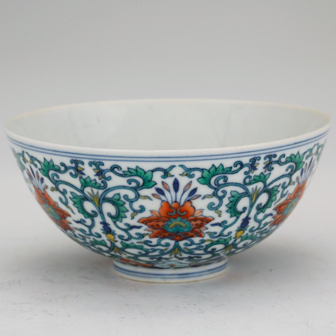 CHINESE QING DYNASTY DOUCAI PORCELAIN FOLIAGE BOWL