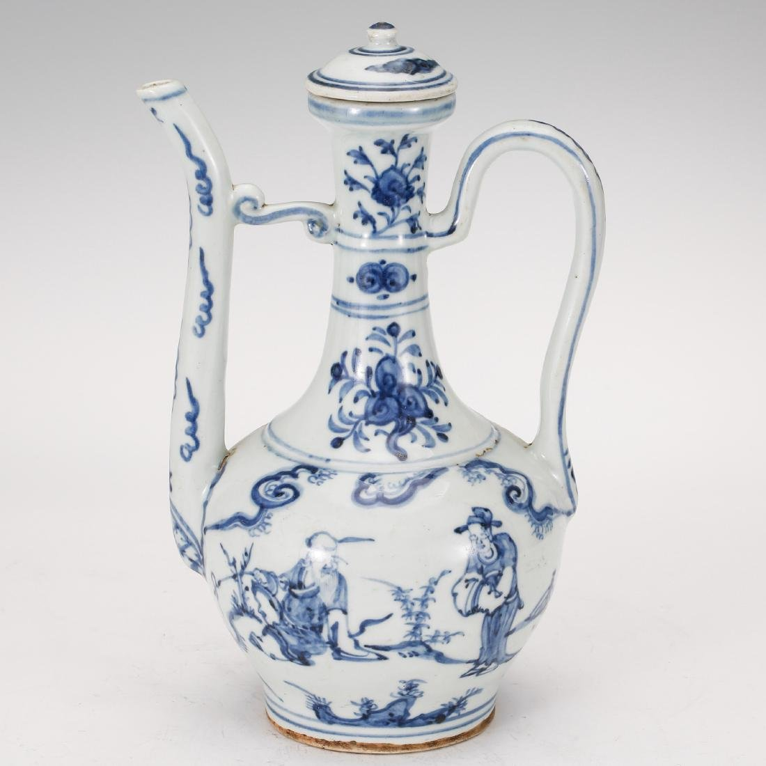 CHINESE BLUE AND WHITE PORCELAIN WINE EWER