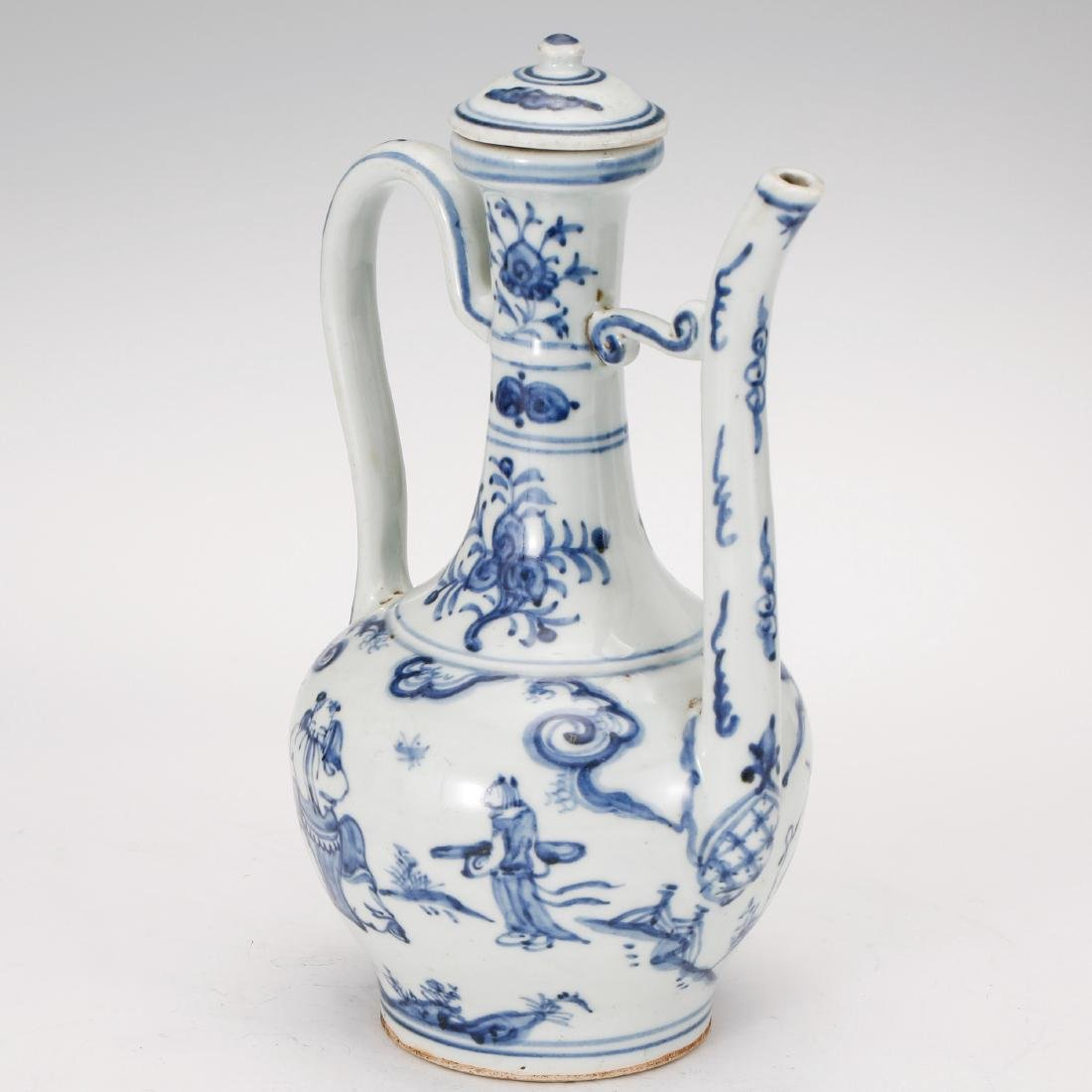 CHINESE BLUE AND WHITE PORCELAIN WINE EWER - 2