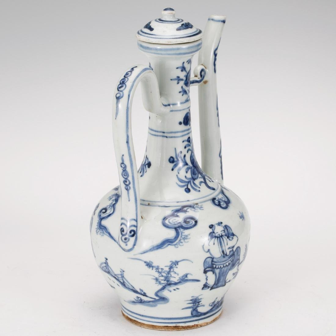 CHINESE BLUE AND WHITE PORCELAIN WINE EWER - 3