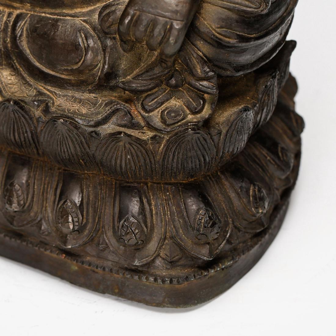 CHINESE BRONZE FIGURE OF BUDDHA - 8