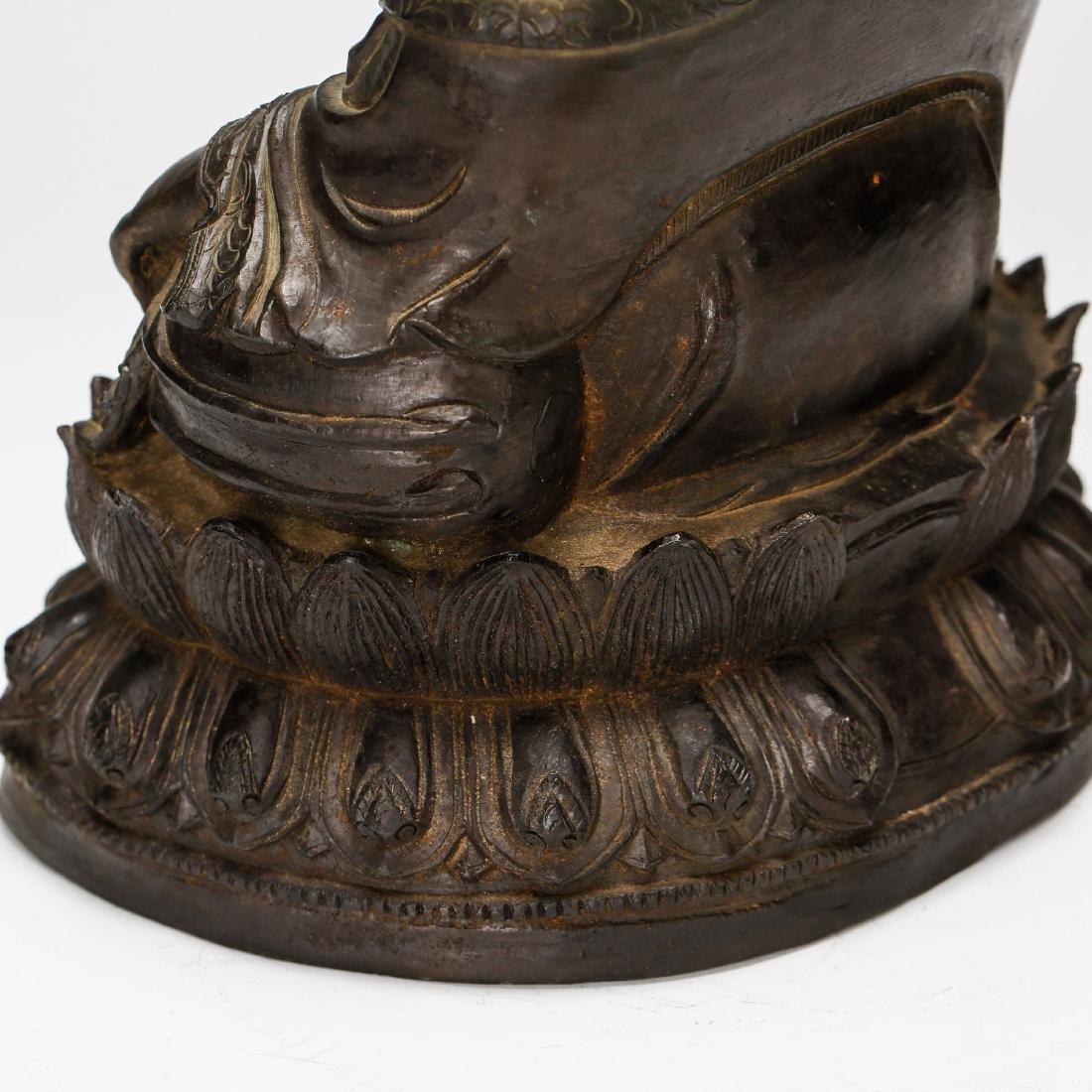 CHINESE BRONZE FIGURE OF BUDDHA - 9