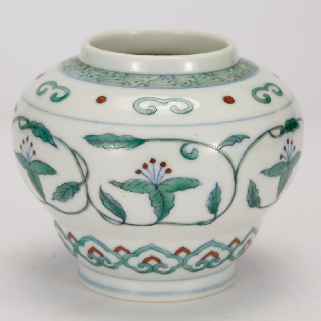 CHINESE DOUCAI PORCELAIN JAR