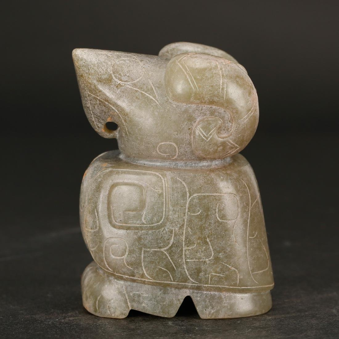 CHINESE ARCHAIC STYLE JADE BEAST