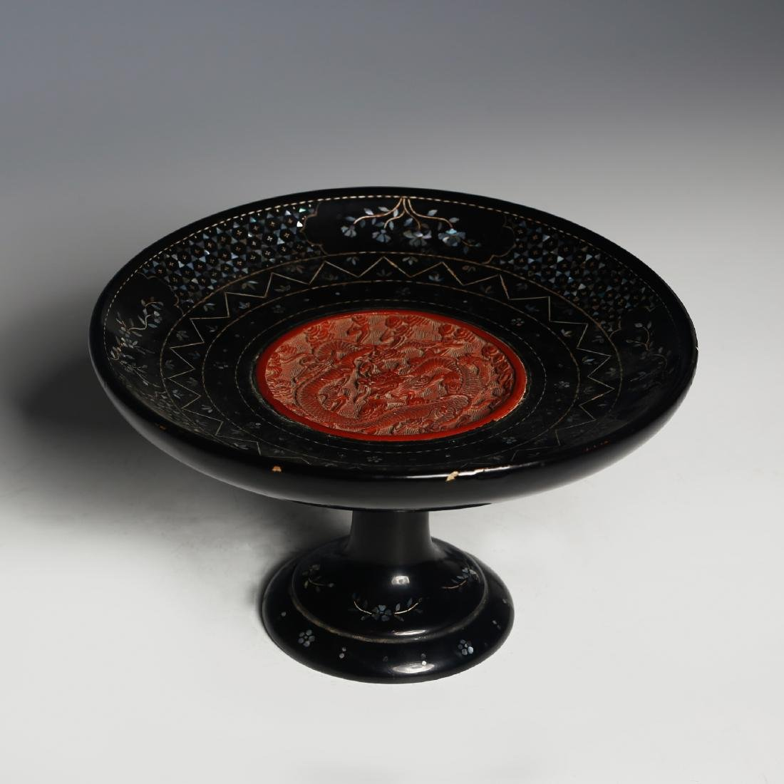 CHINESE LACQUER WOOD FRUIT TRAY