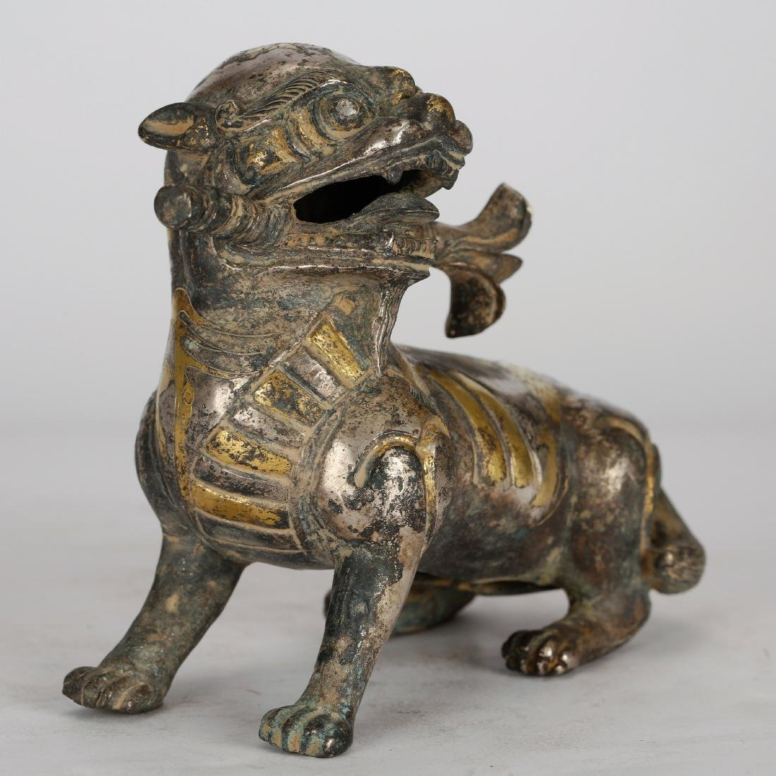CHINESE ARCHAIC STYLE GILT BRONZE FIGURE OF BEAST - 4