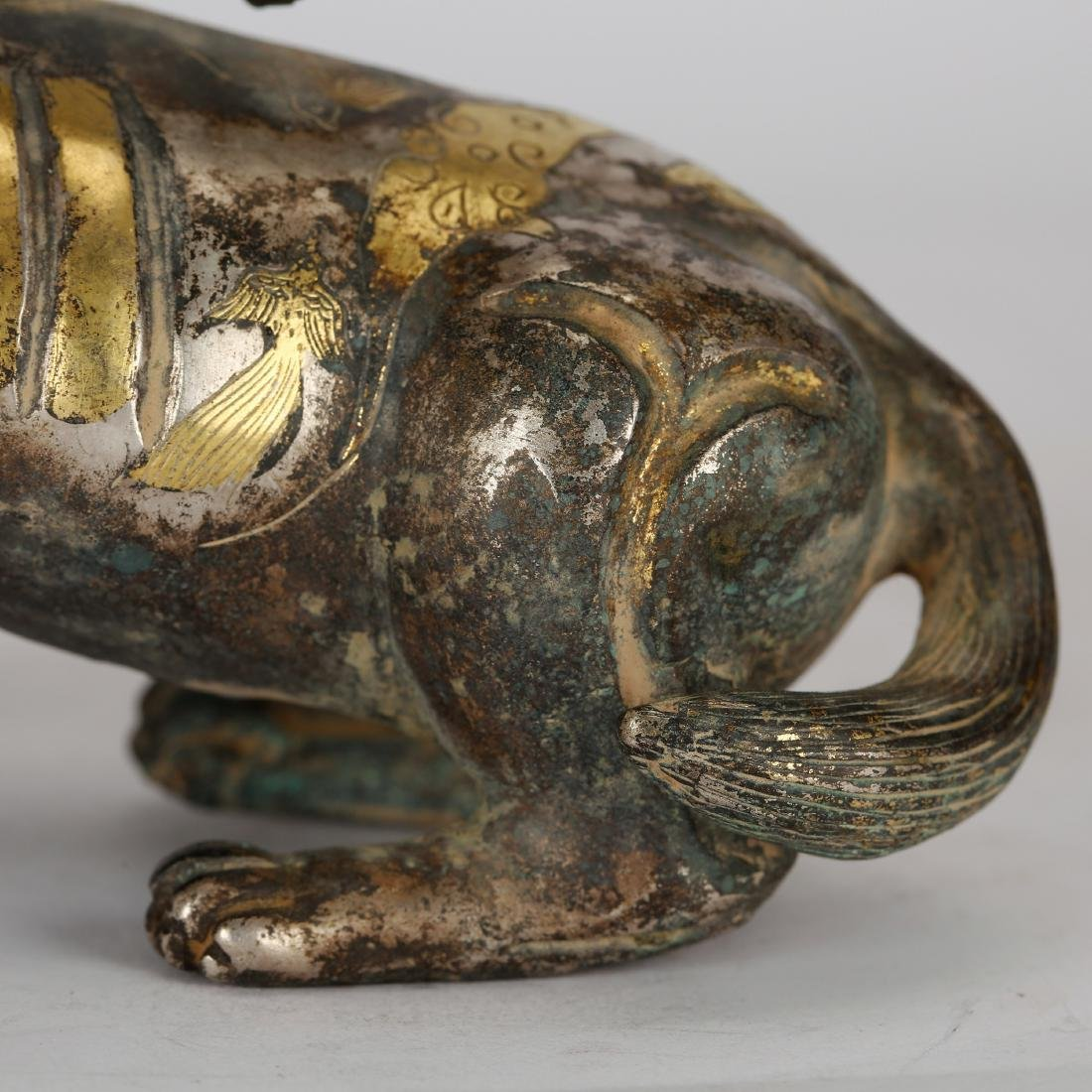 CHINESE ARCHAIC STYLE GILT BRONZE FIGURE OF BEAST - 7