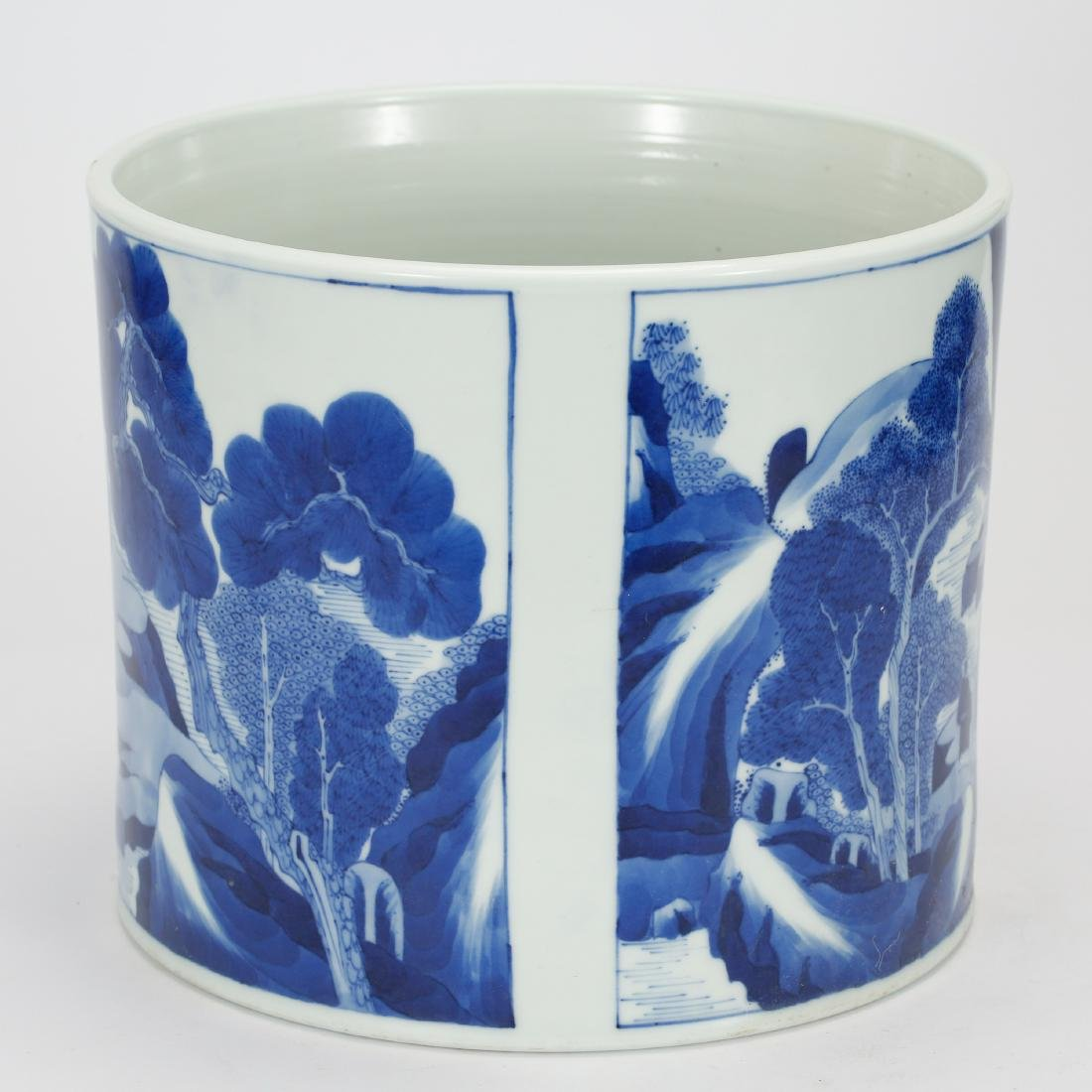 CHINESE BLUE AND WHITE BRUSH POT - 4