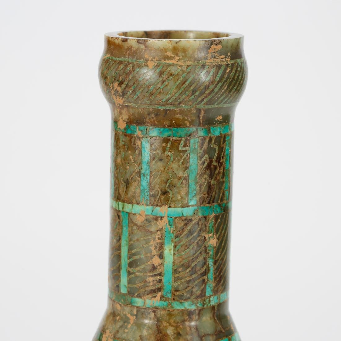 CHINESE ARCHAIC STYLE JADE VASE - 4