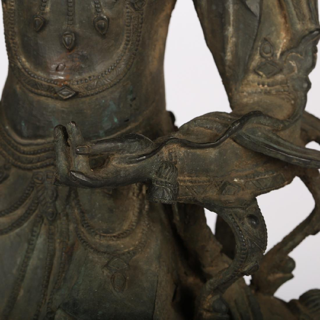 CHINESE BRONZE FIGURE OF GUANYIN, MING DYNASTY - 3