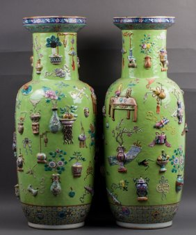 Chinese Qing Dynasty Famille Rose Rouleau Vases