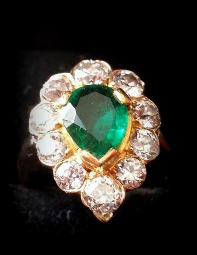 Victorian 18K YG Columbian & Emerald Rare Diamond Ring