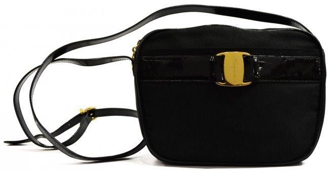 SALVATORE FERRAGAMO BLACK SHOULDER BAG