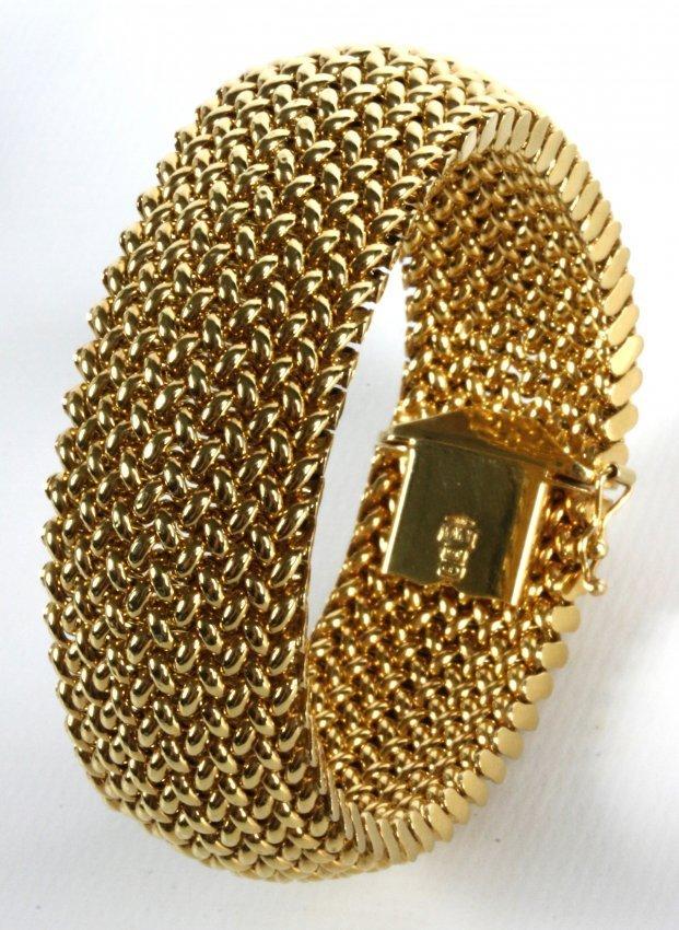 AN ITALIAN 14K YELLOW GOLD OMEGA 8mm HEAVY 22g BRACELET