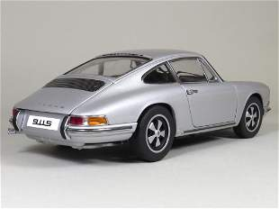 67 Porsche 911S, 1:18 scale model produced by AutoArt