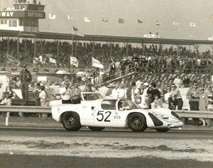 80: Porsche  910 at Daytona