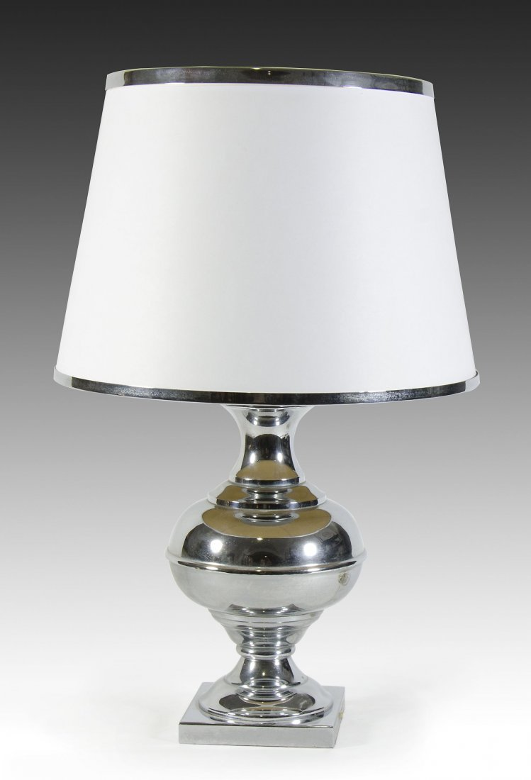 lampada da tavolo cromata