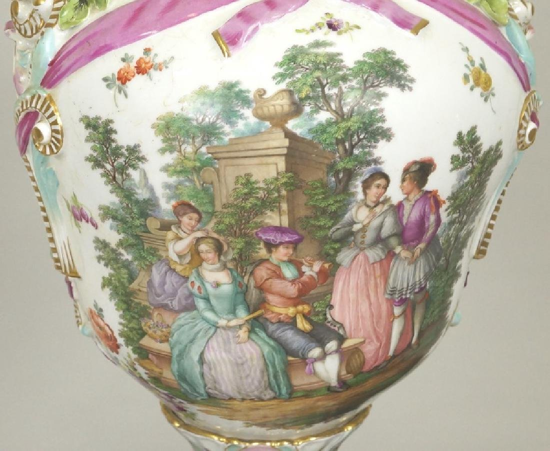18th CENTURY MEISSEN PORCELAIN LIDDED URN - 3