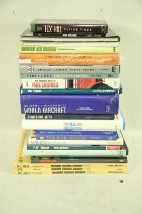 MIXED LOT OF AIRCRAFT BOOKS