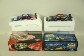 TWO BRAND NEW DRIVERS SELECT & RACE FANS 1:24 SCAL