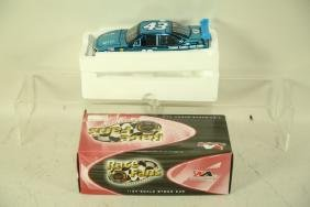 BRAND NEW AUTOGRAPHED #43 RICHARD PETTY