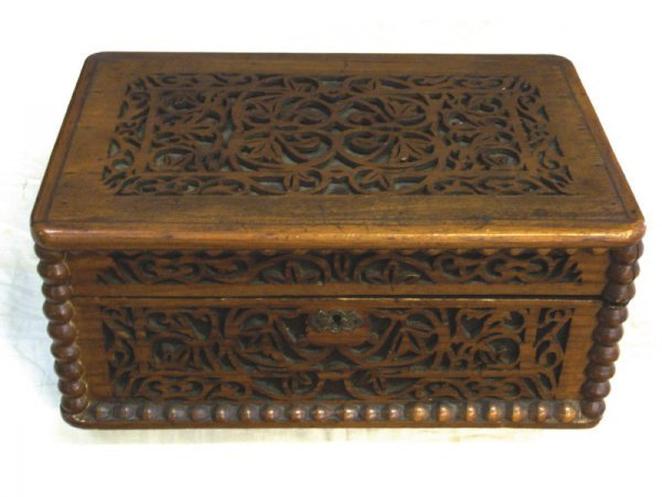 1004: Reticulated wood carved box, 19th C. German