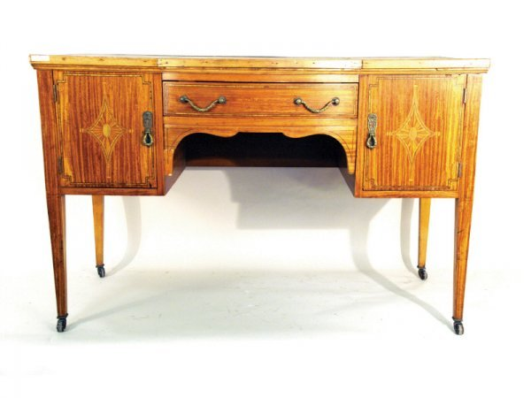 1216: English Edwardian desk, tooled green leather top,