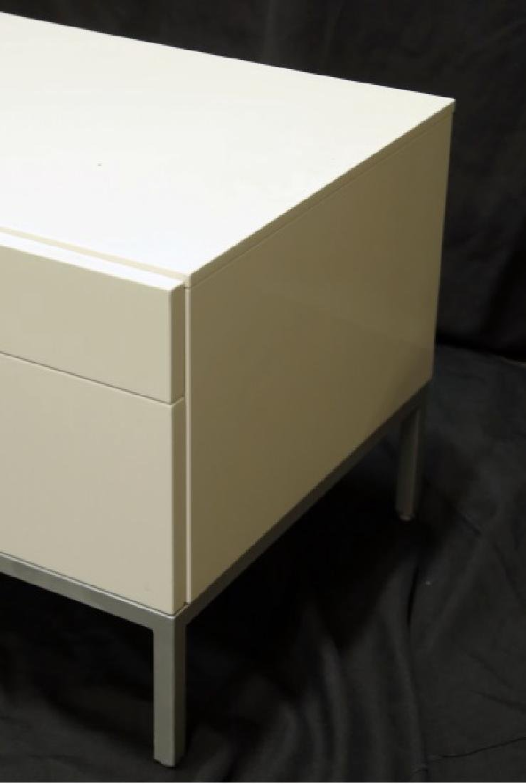 PAIR OF CONTEMPORARY NIGHTSTANDS - 2