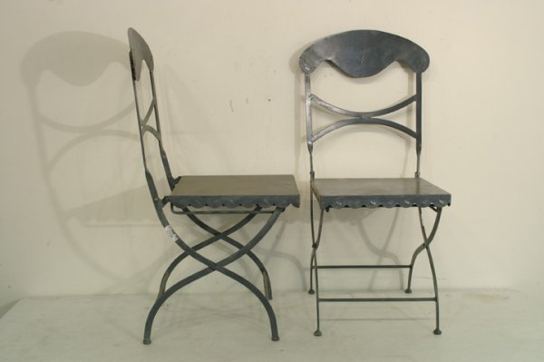 420: Pair of French folding garden chair