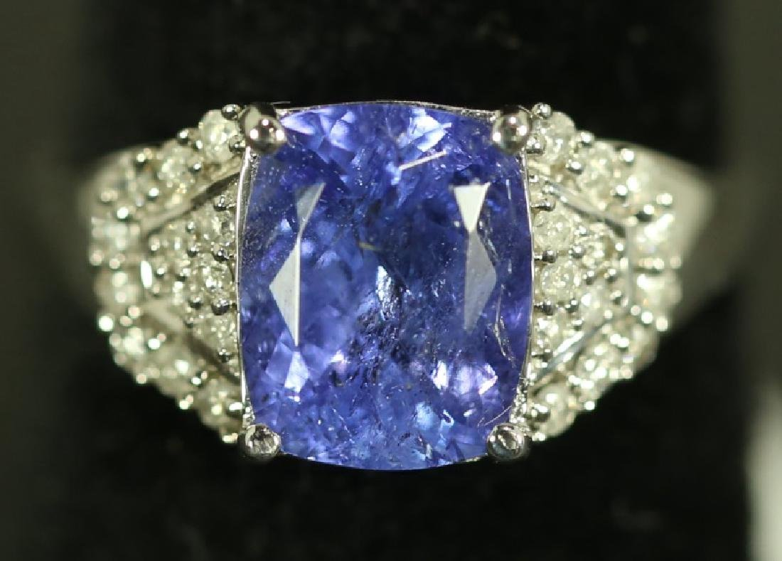 14KT GOLD 2.51CT TANZANITE & 0.24CT DIAMOND RING