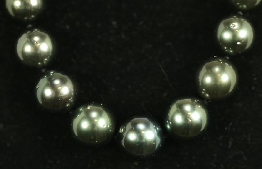 GRADUATED SINGLE STRAND TAHITIAN PEARL NECKLACE - 2