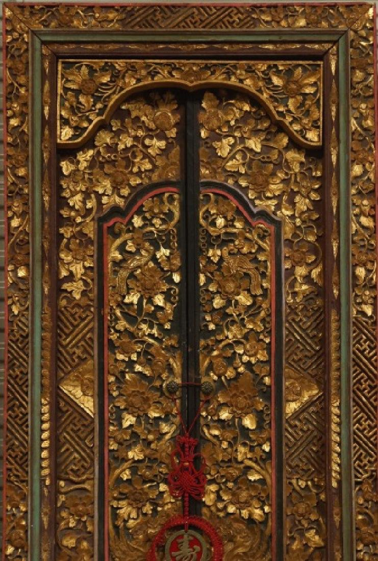 TWO ANTIQUE WOOD CARVED AND GILDED CHINESE DOORS - 2