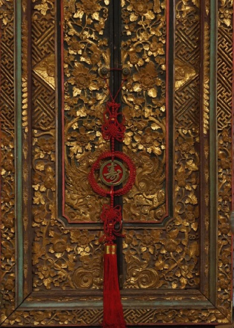 TWO ANTIQUE WOOD CARVED AND GILDED CHINESE DOORS - 3