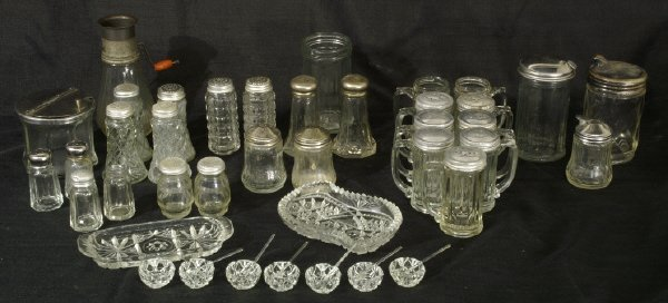 8: Box lot of assorted glassware