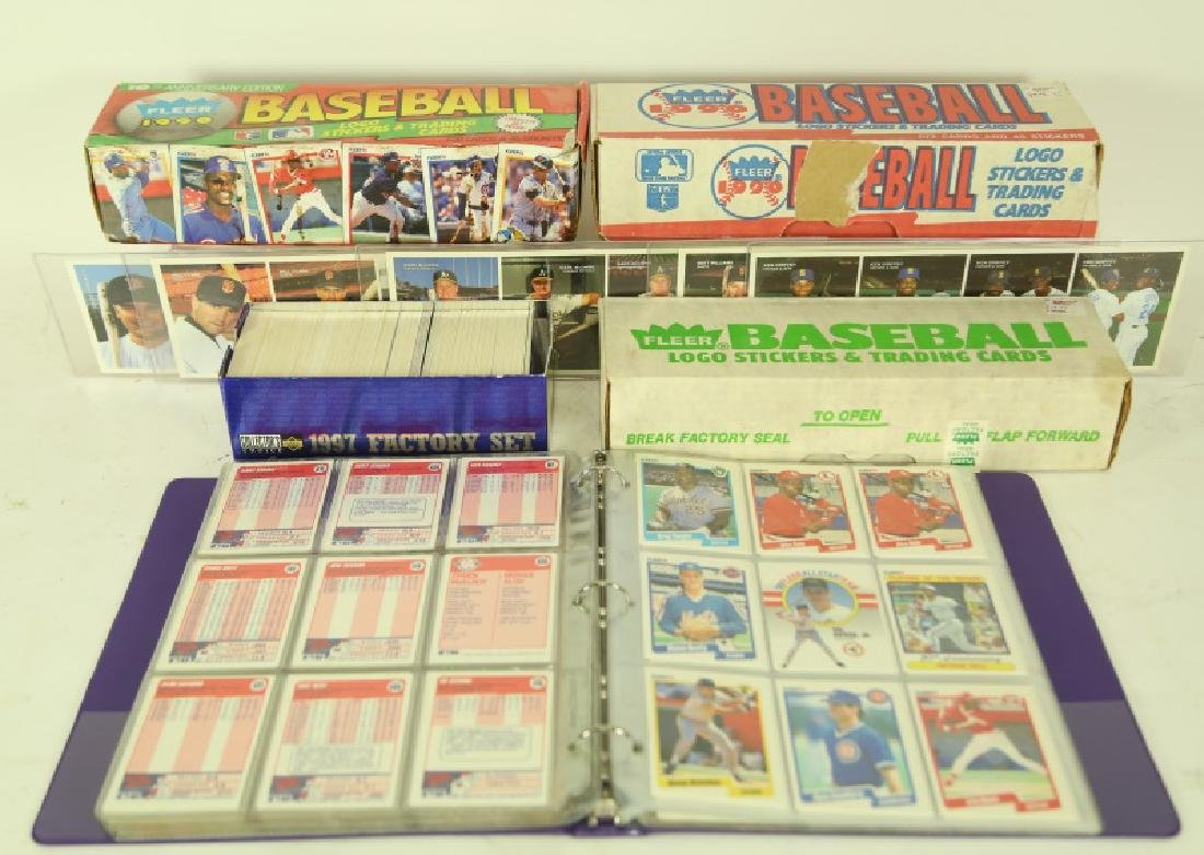 MIXED LOT OF COLLECTIBLE BASEBALL CARDS